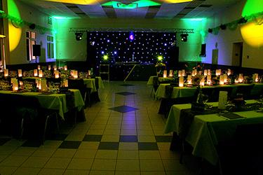 la salle des jeunes mariés pour passer une soirée de ouf avec l'éclairage du DJ, photographiée par notre photographe Rachel Joubi