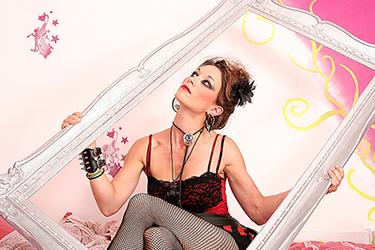 portrait d'une jeune femme photographiée par notre photographe Rachel Joubi
