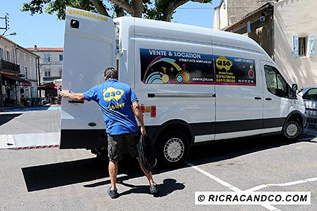 camion d'animation pour petits et grands photographié par Rachel Joubi