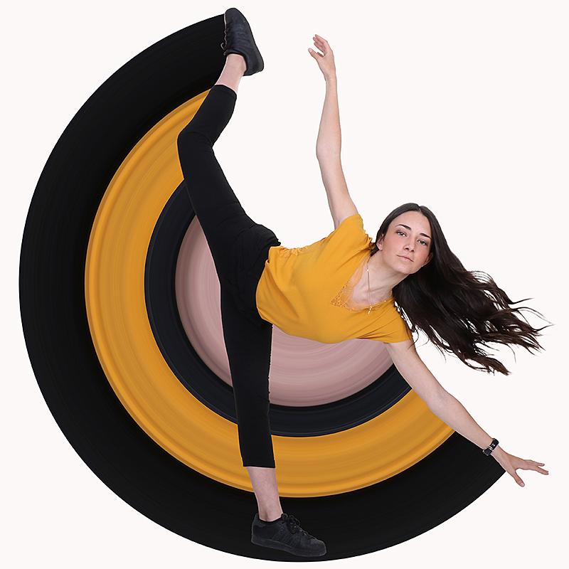 petite pose d'une danseuse avec du style pour notre photographe Rachel Joubi