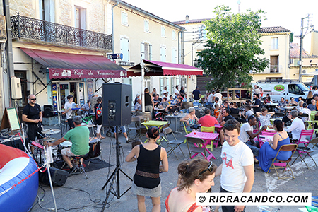 Café du Commerce photographié par Rachel Joubi
